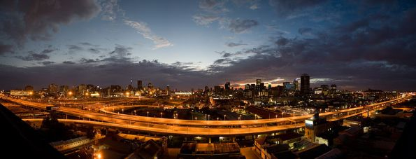 800px-Johannesburg_Sunrise,_City_of_Gold